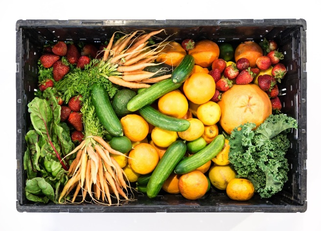 5 simple ways to reduce waste in the kitchen - order an organic vegetable box