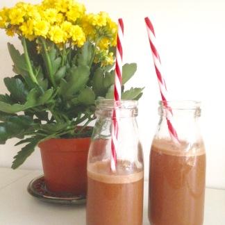 Rise Organic Peruvian Cacao Powder Banana Milkshake - Lylia Rose UK Food Lifestyle Blog