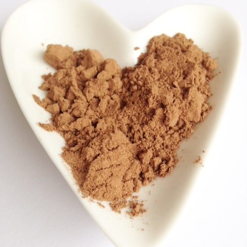 how to get a healthy chocolate fix as a vegan - use raw cacao powder