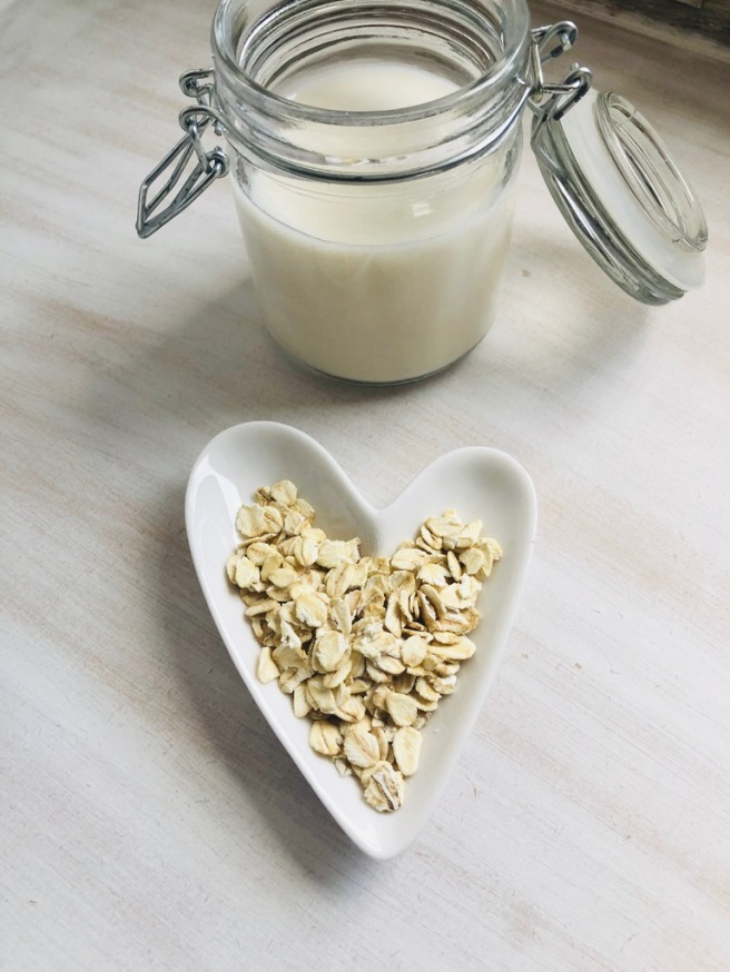 2 ingredient homemade plant-based oat milk