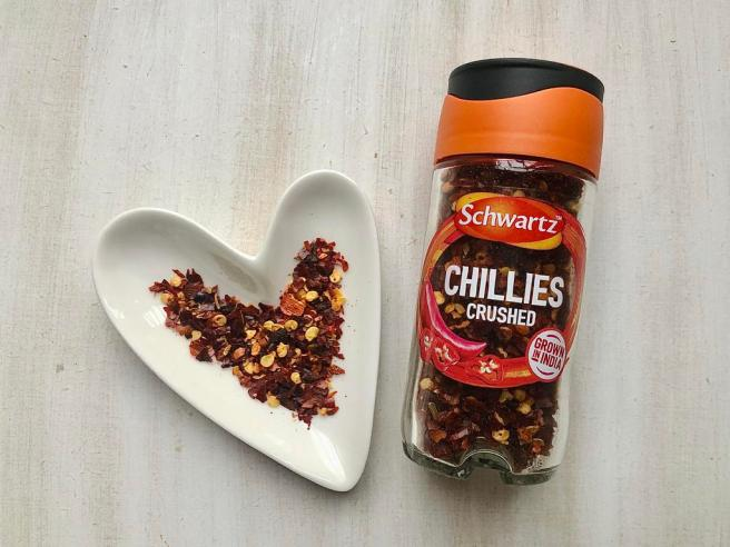 Benefits of chilli flakes + quick, easy vegan chilli recipe
