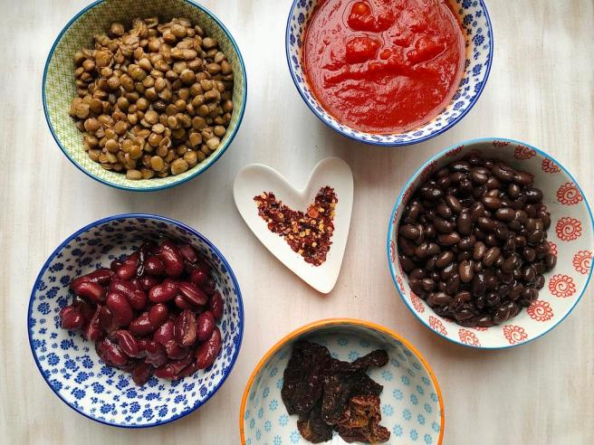 Benefits of chilli flakes + quick, easy vegan chilli recipe