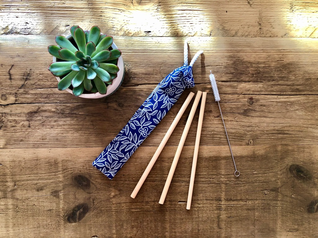 Bamboo drinking straw gift set pouch batik